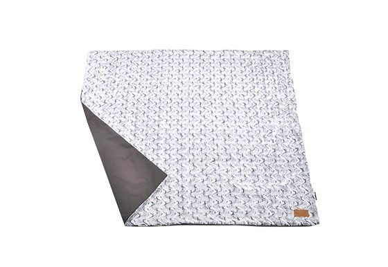 "P.L.A.Y. Decke ""Luxe Throw"" Husky Grau"